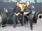 « Les clients utilitaires à la recherche de pneus agricoles, forestiers ou destinés au transport de fourrage les trouveront chez nous », affirment Michele Santorsola (g.) et Jakob Huser de Nokian Tyres.